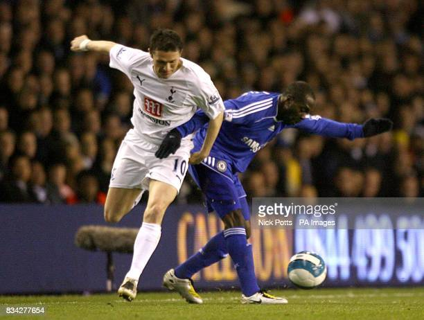 Tottenham Hotspur's Robbie Keane and Chelsea's Claude Makelele battle for the ball