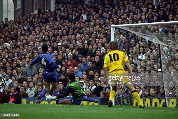 Tottenham Hotspur's Teddy Sheringham looks on in front of the Marlow goal