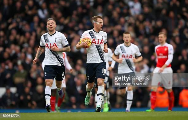 Tottenham Hotspur's Toby Alderweireld celebates scoring his sides first goal of the match with teammate Tottenham Hotspur's Harry Kane