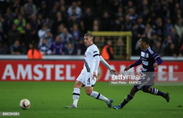 Tottenham Hotspur's Toby Alderweireld makes his pass while challenged by Anderlecht's Youri Tielemans