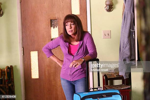 THE MIDDLE 'A Tough Pill to Swallow' When a devastated Sue discovers that she has been kicked out of college because she forgot to renew her...