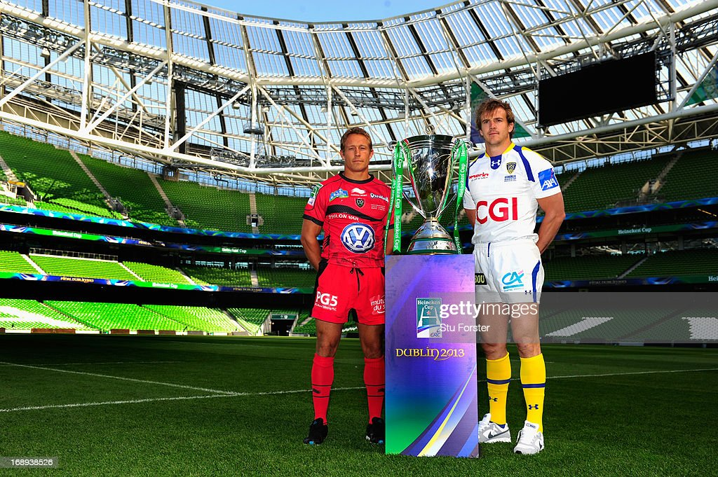 Toulon captain <a gi-track='captionPersonalityLinkClicked' href=/galleries/search?phrase=Jonny+Wilkinson&family=editorial&specificpeople=159417 ng-click='$event.stopPropagation()'>Jonny Wilkinson</a> (l) and Clermont Auvergne captain <a gi-track='captionPersonalityLinkClicked' href=/galleries/search?phrase=Aurelien+Rougerie&family=editorial&specificpeople=220239 ng-click='$event.stopPropagation()'>Aurelien Rougerie</a> pose with the Heineken Cup ahead of the Heineken Cup final match between Clermont Auvergne and Toulon at Aviva Stadium on May 17, 2013 in Dublin, Ireland.