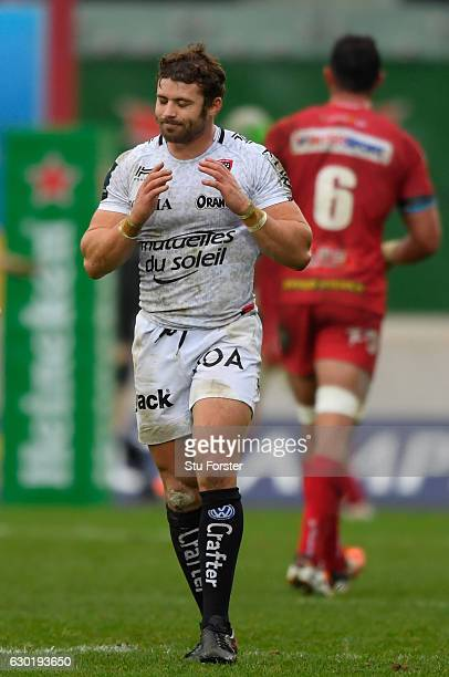 Toulon fullback Leigh Halfpenny reacts after his last minute penalty kick misses during the European Rugby Champions Cup match between Scarlets and...