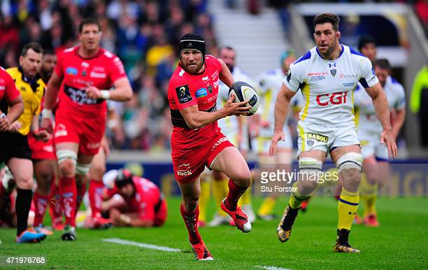 Toulon player Matt Giteau in action during the European Rugby Champions Cup Final between ASM Clermont Auvergne and RC Toulon at Twickenham Stadium...