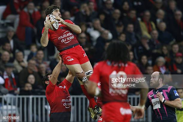 RC Toulon's Argentinian No 8 Juan Martin Fernandez Lobbe vies for the ball during the French Top 14 rugby union match between Toulon and Stade...