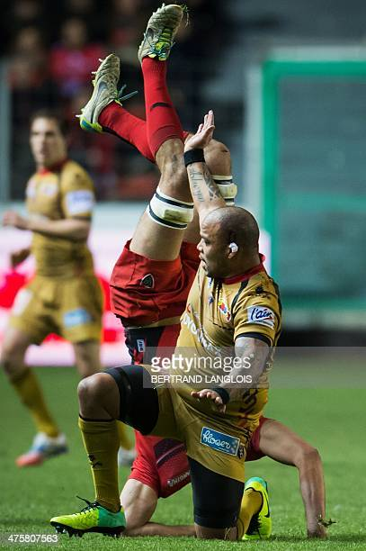 Toulon's flanker Virgile Bruni falls next to Oyonnax's hooker Jody Jenneker tackles RC during the French Top 14 rugby union match between Toulon and...