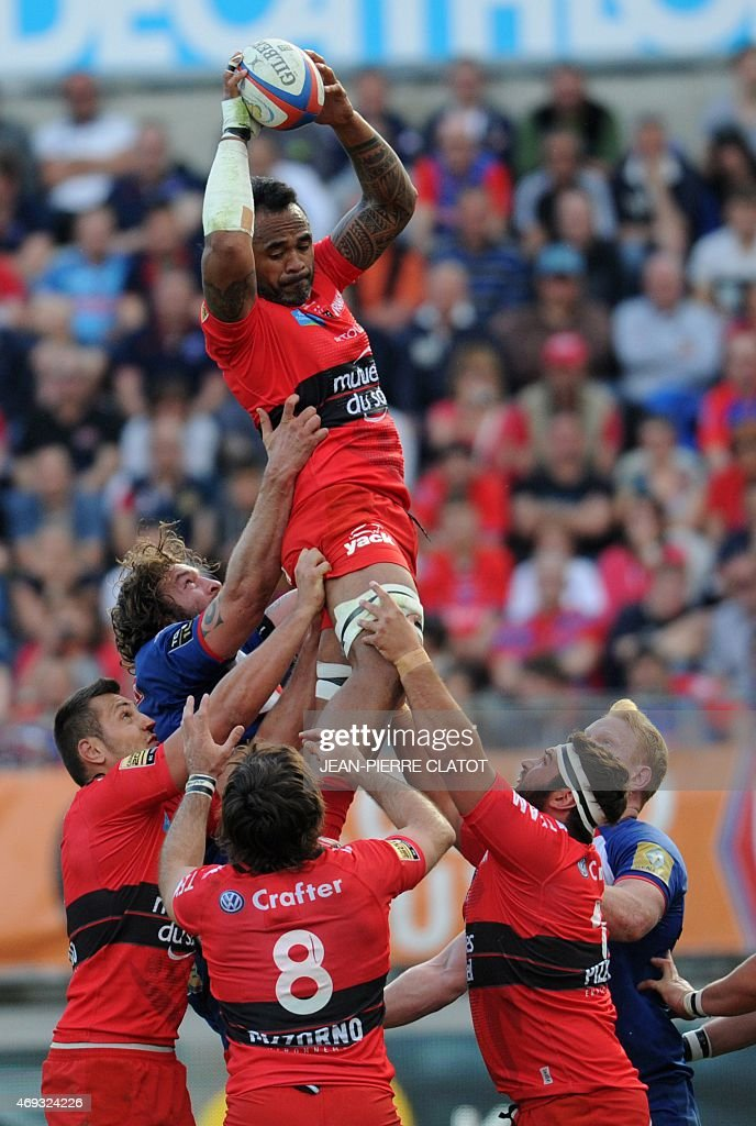 Toulon's French lock Jocelino Suta grabs the ball in a line out during the French Top 14 rugby union match Grenoble (FCG) vs Toulon (RCT) on April 11, 2015 at the Stade des Alpes in Grenoble.