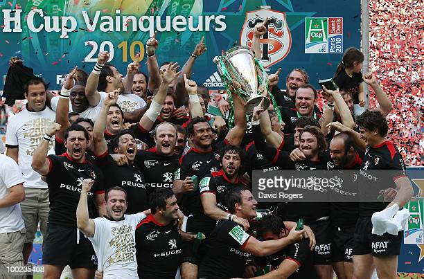Toulouse celebrate with the trophy after winning the Heineken Cup Final at Stade France on May 22 2010 in Paris France