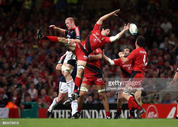 Toulouse' Jean Boulihou drops a high ball under pressure from Munster's Paul O'Connell during the Heineken Cup Final at the Millennium Stadium Cardiff