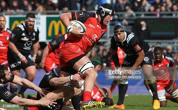 Toulouse's Argentinian lock Patricio Albacete runs with the ball during the French Top 14 rugby union match CA Brive versus Stade Toulousain on march...