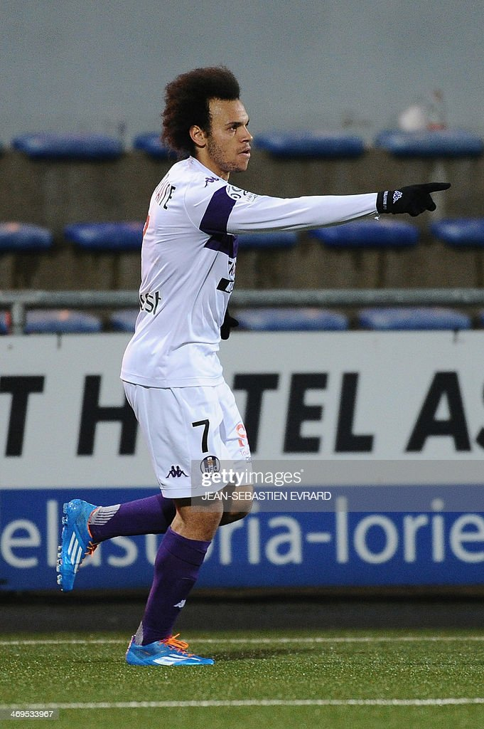 Toulouse's Danish forward Martin Braithwaite celebrates after scoring a goal during the French L1 football match between Lorient and Toulouse on February 15, 2014 at the Moustoir stadium in Lorient, western France.