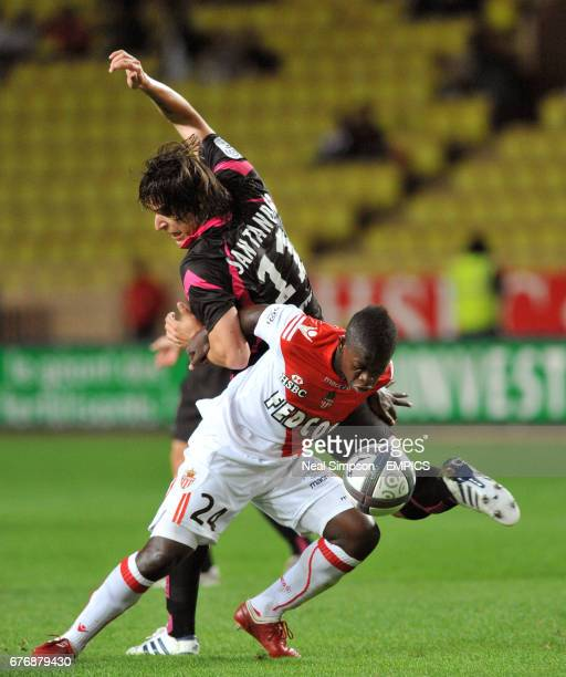 Toulouse's Federico Santander battles for the ball with AC Monaco's Nampalys Mendy