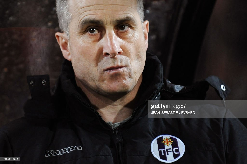 Toulouse's French coach Alain Casanova looks on during the French L1 football match between Lorient and Toulouse on February 15, 2014 at the Moustoir stadium in Lorient, western France.