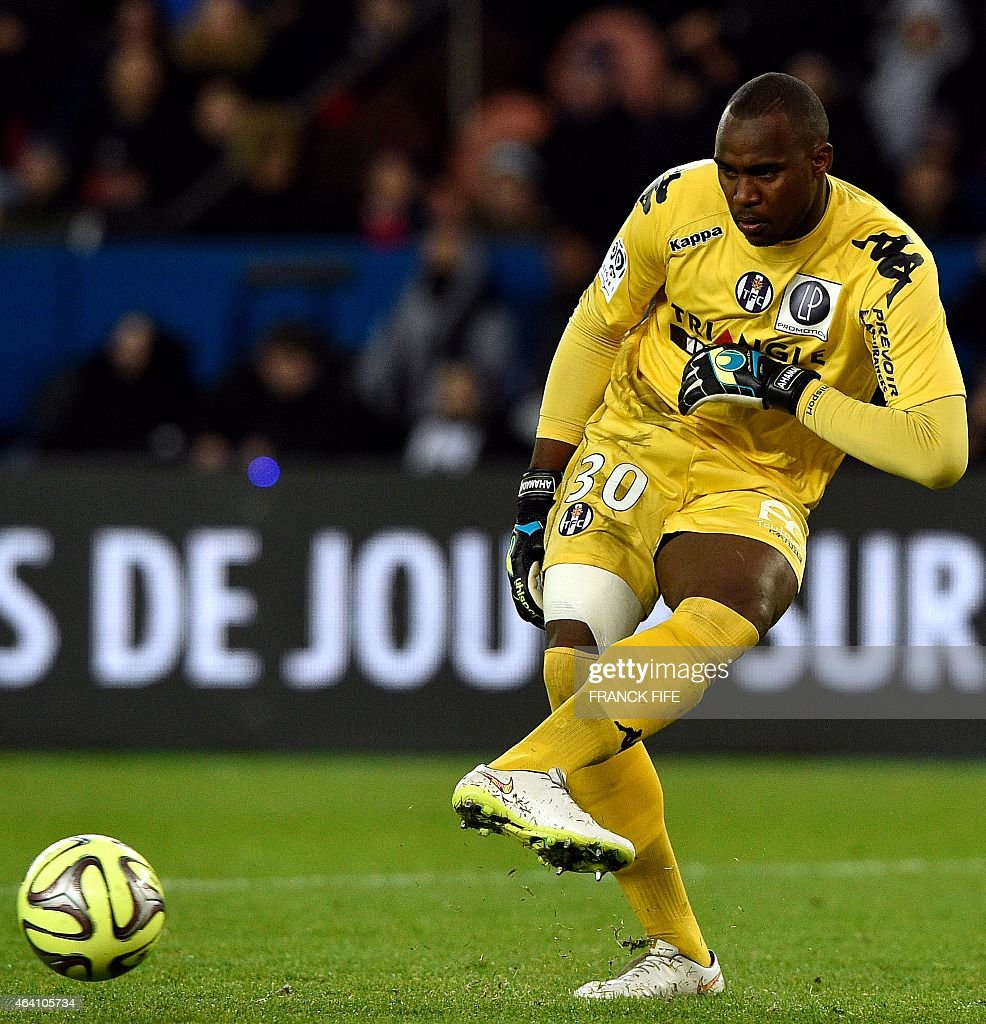 Toulouse's French Comorian goalkeeper <a gi-track='captionPersonalityLinkClicked' href=/galleries/search?phrase=Ali+Ahamada&family=editorial&specificpeople=7552244 ng-click='$event.stopPropagation()'>Ali Ahamada</a> pases the ball during the French L1 football match between Paris Saint-Germain (PSG) vs Toulouse on February 21, 2015 at the Parc des Princes stadium in Paris. AFP PHOTO / FRANCK FIFE