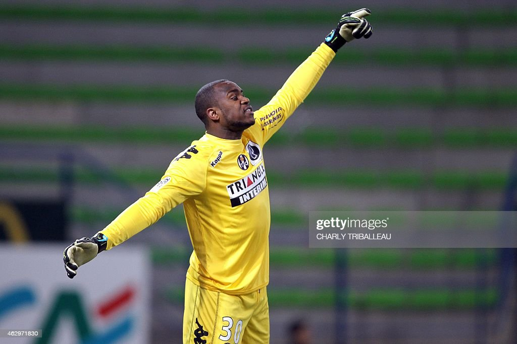 Toulouse's French Comorian goallkeeper <a gi-track='captionPersonalityLinkClicked' href=/galleries/search?phrase=Ali+Ahamada&family=editorial&specificpeople=7552244 ng-click='$event.stopPropagation()'>Ali Ahamada</a> reacts during the French L1 football match between Caen (SM Caen) and Toulouse (TFC), on February 7, 2015, at the Michel d'Ornano stadium, in Caen, northwestern France. AFP PHOTO/CHARLY TRIBALLEAU.