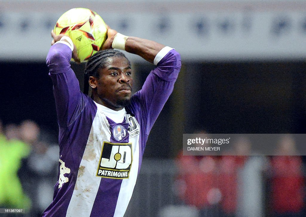 Toulouse's French defender Serge Aurier plays a line out during a French L1 football match between Rennes and Toulouse on February 10, 2013 at the route de Lorient stadium in Rennes, western France.