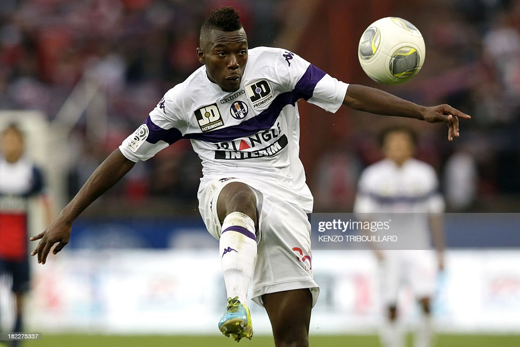 Toulouse's French defender Steeve Yago controls the ball during the French L1 football match between Paris Saint-Germain and Toulouse at the Parc des Princes Stadium in Paris on September 28, 2013. PSG won 2-0.