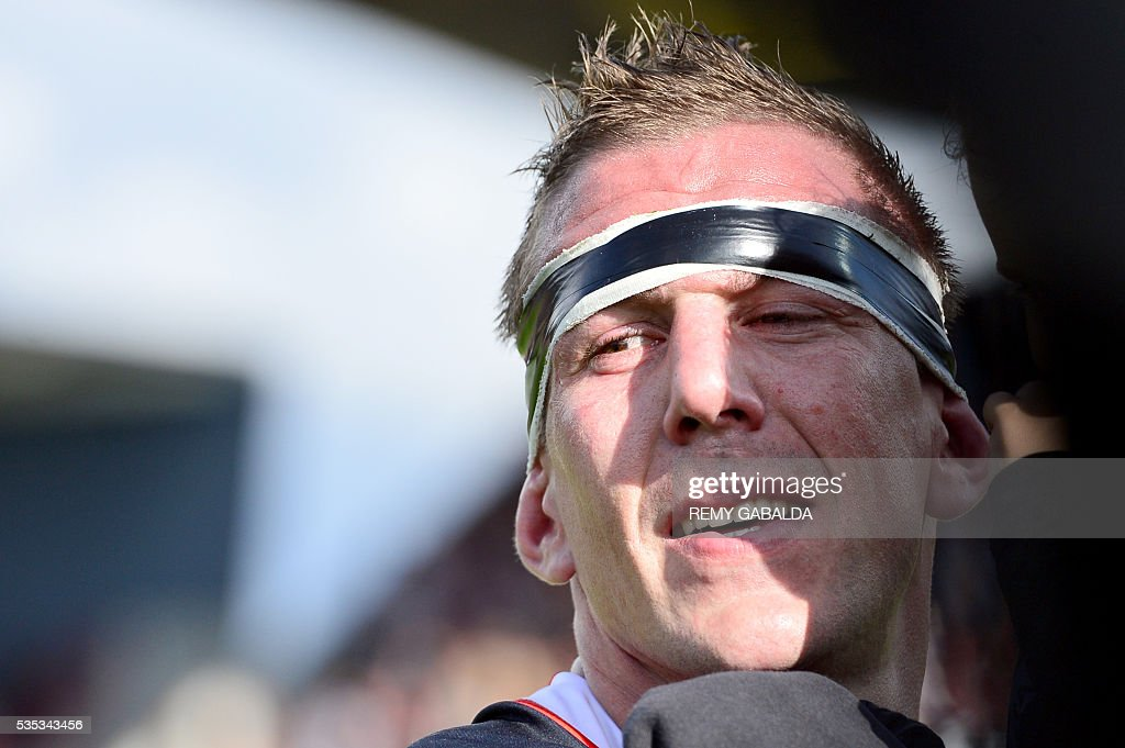 Toulouse's French prop Imanol Harinordoquy looks on after finishing his last match for Toulouse after the French Top 14 rugby union match Stade Toulousain versus ASM Clermont Auvergne on May 29, 2016 at the Ernest Wallon stadium in Toulouse, southern France.