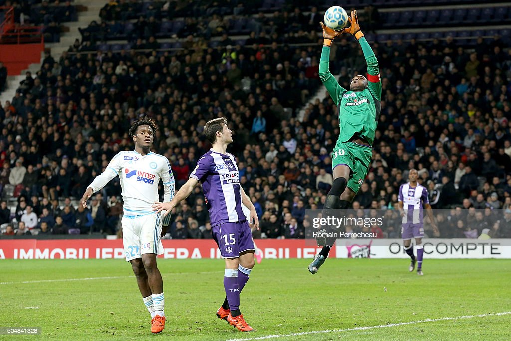 Toulouse's goalkeeper <a gi-track='captionPersonalityLinkClicked' href=/galleries/search?phrase=Ali+Ahamada&family=editorial&specificpeople=7552244 ng-click='$event.stopPropagation()'>Ali Ahamada</a> (R) in action during the French League Cup quarter final between Toulouse and Marseille at Stadium Municipal on January 13, 2016 in Toulouse, France.
