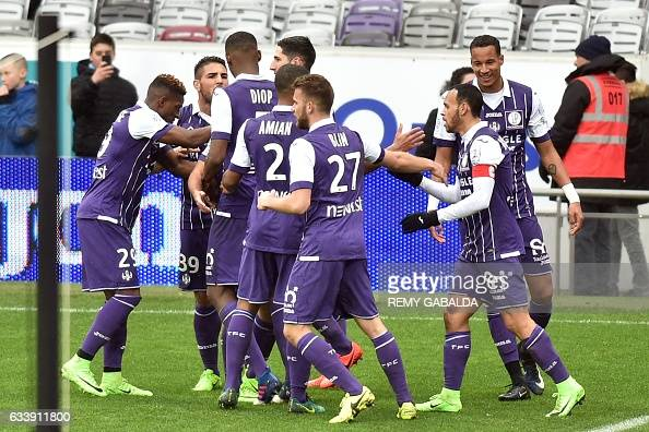 FBL-FRA-LIGUE1-TOULOUSE-ANGERS : News Photo