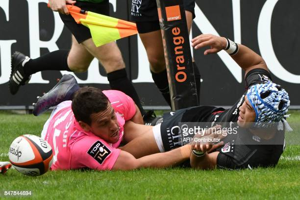 Toulouse's South Africa winger Cheslin Kolbe scores a try during the French Top 14 rugby union match Toulouse against Stade Francais September 16...