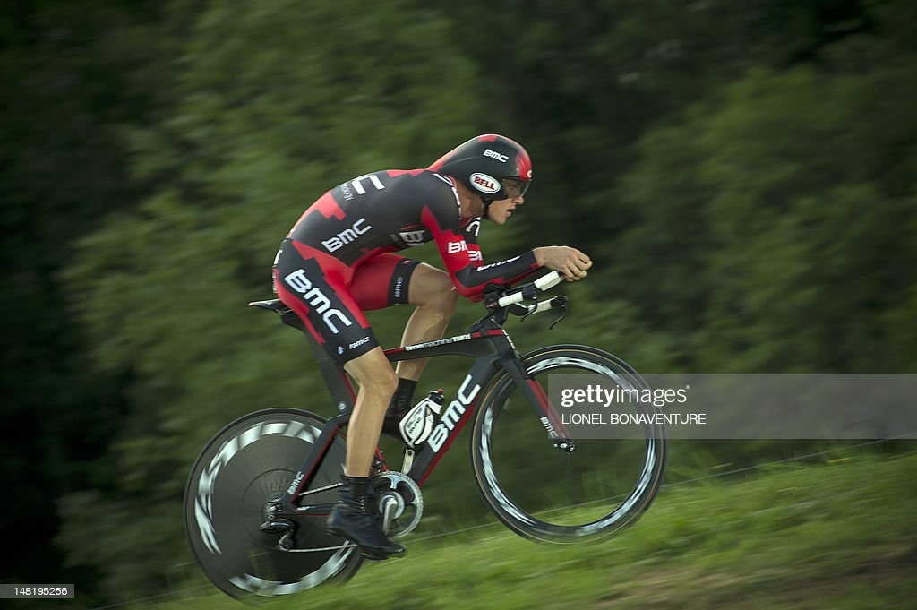 Tour de France 2011 winner, Australia's Cadel Evans, competes in the 41,5 km individual time-trial and ninth stage of the 2012 Tour de France cycling race starting in Arc-et-Senans and finishing in Besancon, eastern France, on July 9, 2012. AFP PHOTO / LIONEL BONAVENTURE