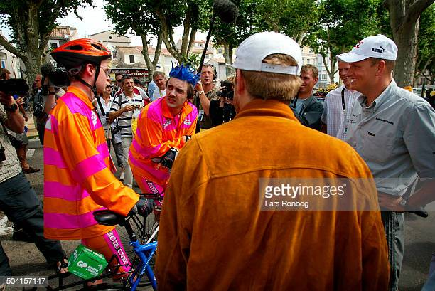 Tour de France stage 14 Bjarne Riis Team CSC talking to Team Easy On