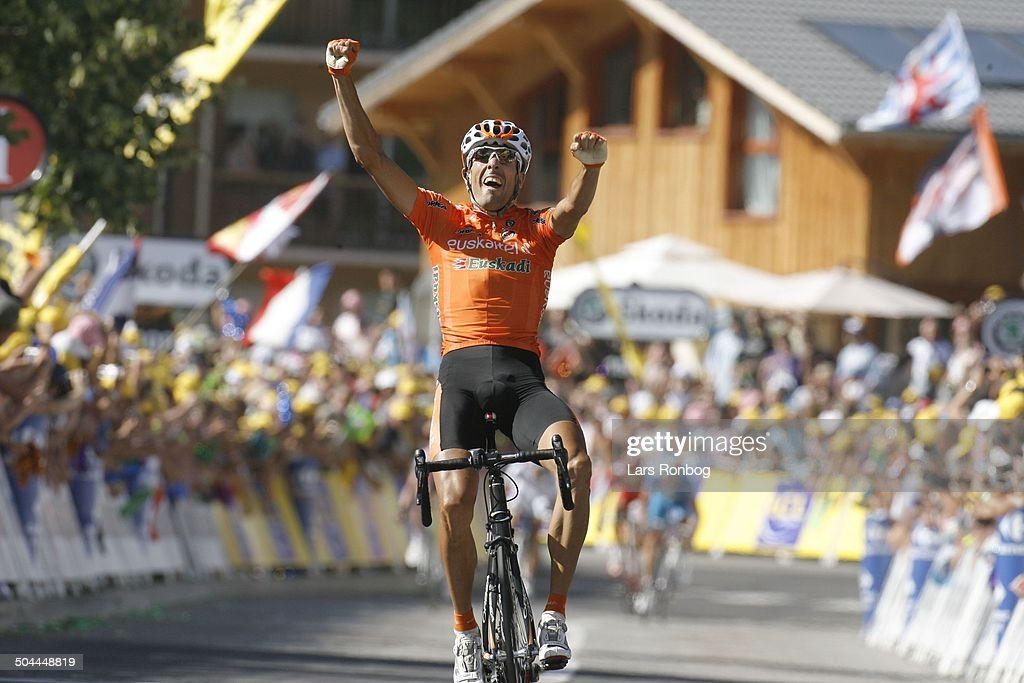 Tour de France Stage 16 Mikel Astarloza wins the stage in BourgSaintMaurice © Frontzonesport