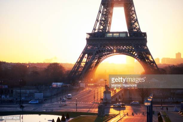 Tour Eiffel at sunrise