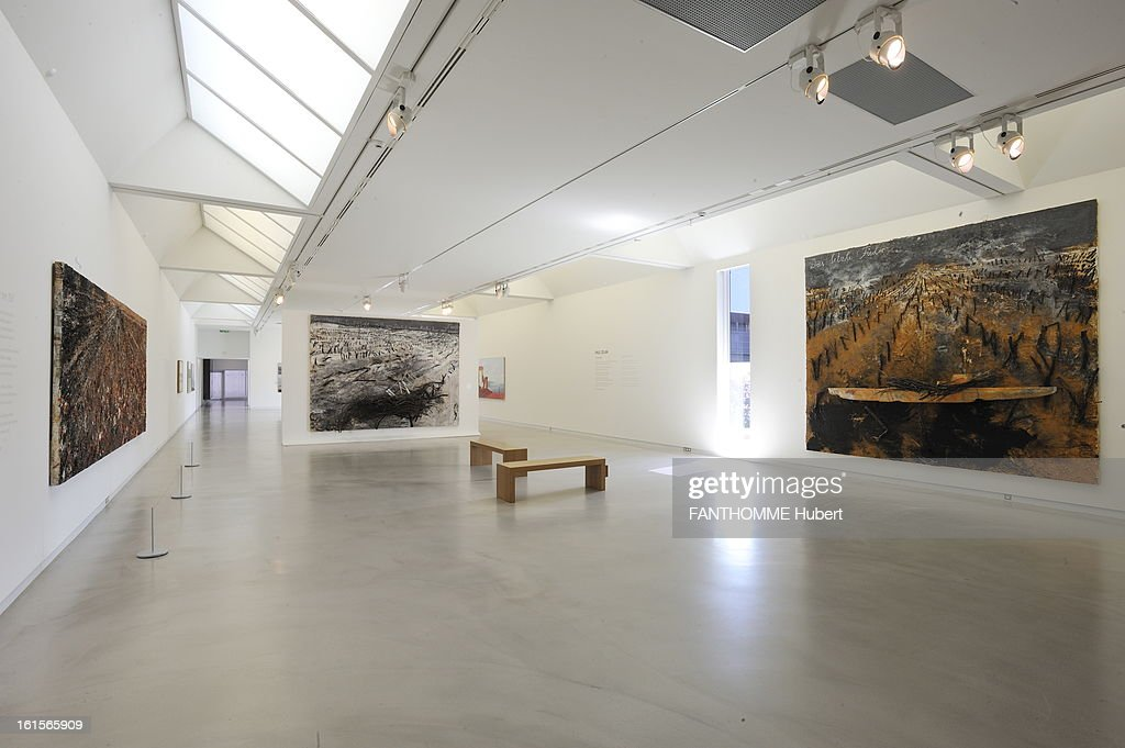 Summer Getaway In Alsace. The museum Wurth ERSTEIN (Bas-Rhin), ZI Ouest, rue Georges Besse: exhibition of the works of artist Anselm Kiefer, from January 28 to September 25: the left, 'The Sleeper of the Valley', 2010, at the bottom 'Tremble '2007, right' The last charrete ', 2007. ALSACE. A Erstein The Wurth Museum, Ms. Bertrand director of the museum. Anselm Kiefer28 January to 25 September 2011. Wurth Museum in January 2008 and architect Jacques Clement Vergely collection Wurth nearly 14,000 auvres exposure in a non-permanent Erstein integrated site in July 1997 and the seat of its fleet with a vegetal lahorizon the Vosges.