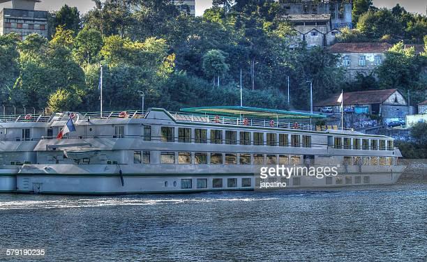 Tourist boats in Porto Don Luis I over Douro river