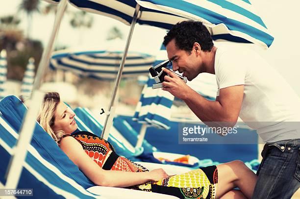 Tourist Paar mit Instant Camera