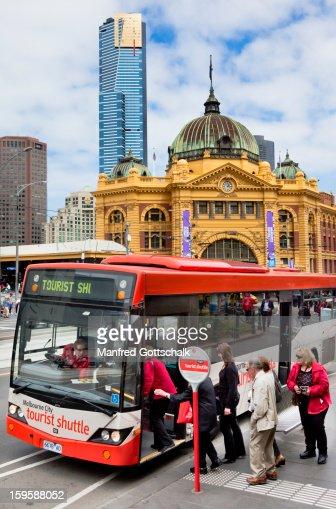 Tourist shuttle bus Melbourne