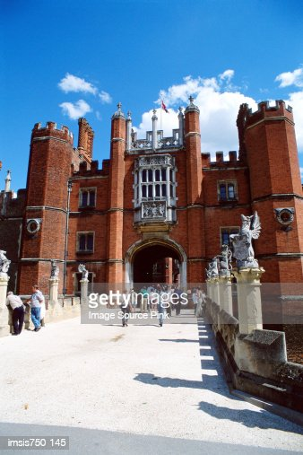 Tourists at Hampton Court : Stock Photo