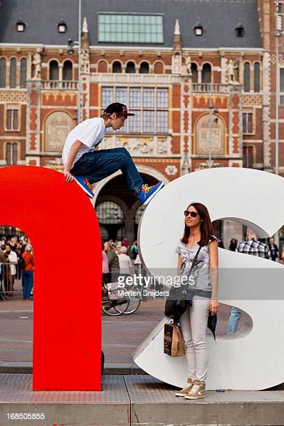 Tourists at IAmsterdam sign