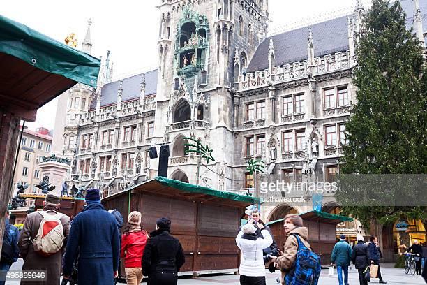 Touristen in new town hall-Munich