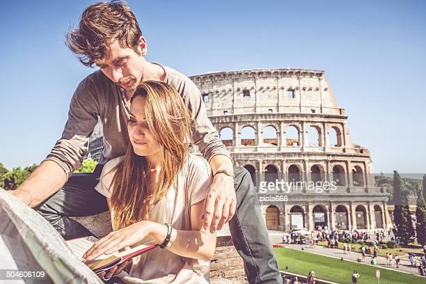 Turisti coppia e il Coliseum