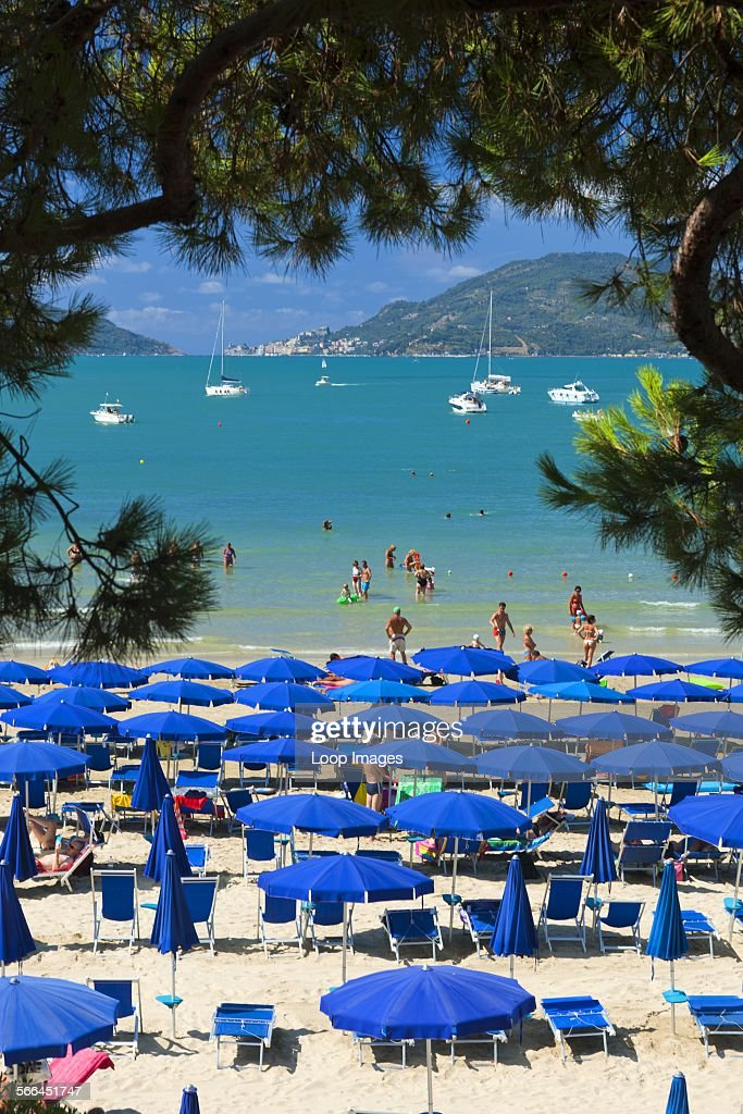 Tourists on the beach at Lerici