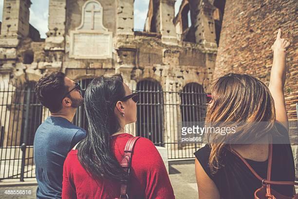 ガイド付き観光の前に、ローマのコロシアム