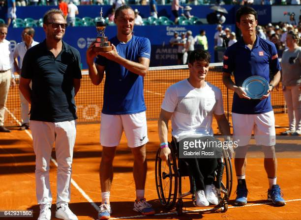 Tournament director Martin Jaite Alexandr Dolgopolov of Ukraine wheelchair tennis player Gustavo Fernandez of Argentina and Kei Nishikori of Japan...