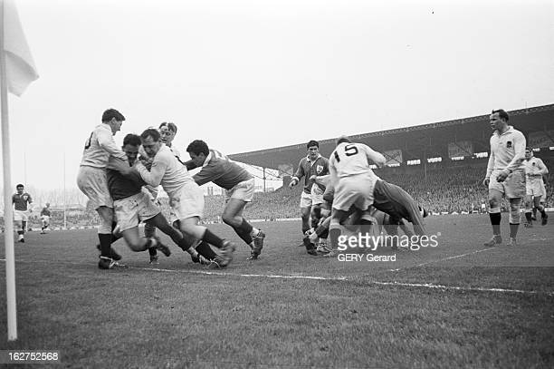 Rugby Match France England France Paris 1er mars 1958 Lors du tournoi des 5 nations un match de rugby à XV oppose l'équipe de France à celle...