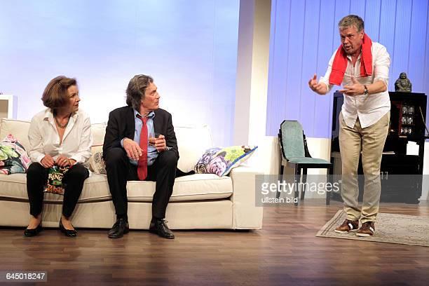 'Toutou' Komödie von Daniel Besse und Agnès Tutenuit gastiert vom 30 April – 12 Juli 2015 im Theater am Dom in KölnDarsteller Gila von Weitershausen...