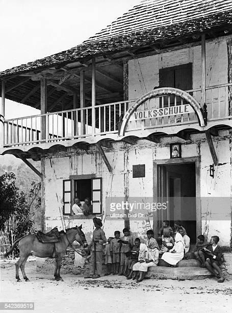 Tovar ein badisches Dorf in VenezuelaDie katholische Volksschule um 1933Fotograf Kurt Severin