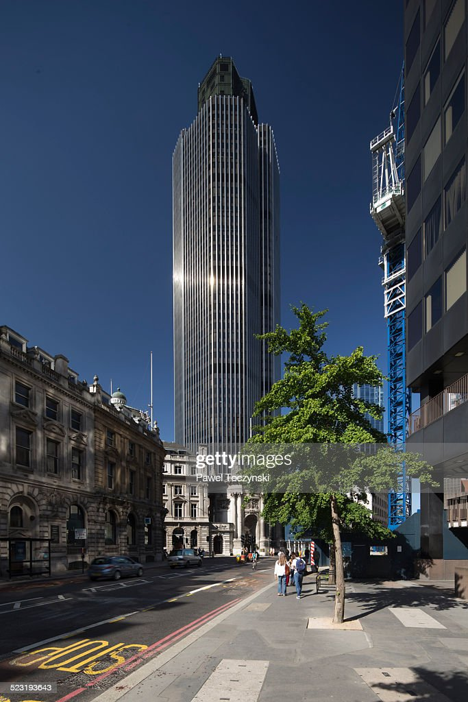 Tower 42 - the first skyscraper in City of London