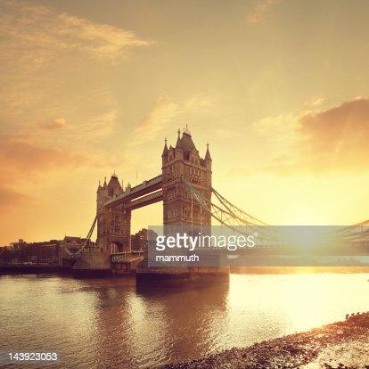 Tower Bridge & Thames river at dawn : Stock Photo