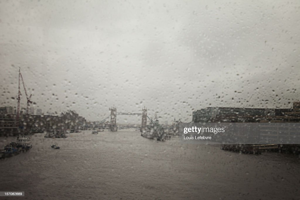 tower bridge in the rain : Stock Photo