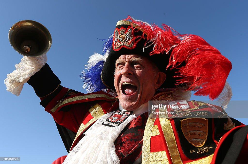 A town crier shouts encouragement during the Virgin London Marathon on April 13, 2014 in London, England.