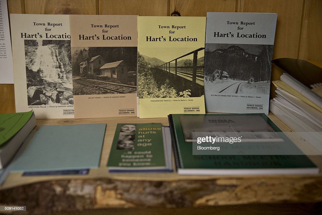 Town reports sit on a shelf at the town hall polling site during the New Hampshire presidential primary election in Harts Location, New Hampshire, U.S., on Tuesday, Feb. 9, 2016. According to the New Hampshire Secretary of State's office, the state has 383,834 voters who haven't declared a party affiliation, compared to 260,896 registered Republicans and 229,202 Democrats. Photographer: Andrew Harrer/Bloomberg via Getty Images