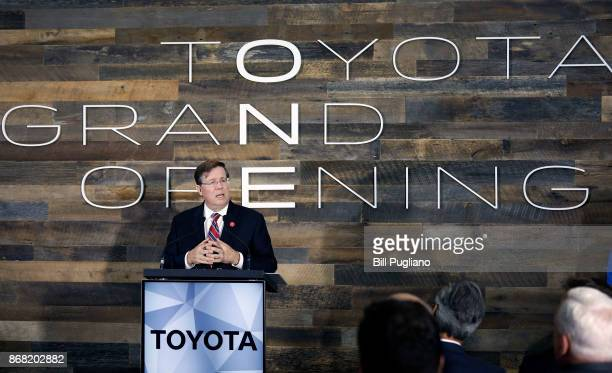 Toyota CEO Jim Lentz speaks at the unveiling of a new $80 million Toyota engineering headquarters October 30 2017 in Georgetown Kentucky The 235000...