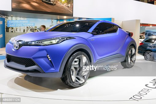 toyota chr crossover concept de voiture hybride photo. Black Bedroom Furniture Sets. Home Design Ideas